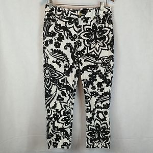 Chico's black and white so lifting crop sz 0 (4s)